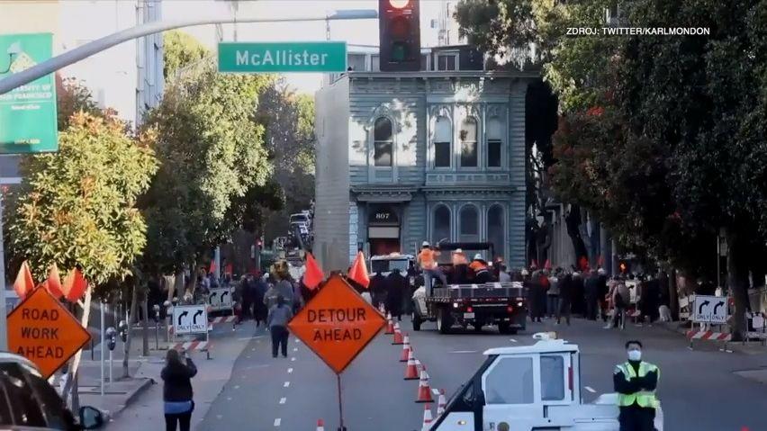 Video: San Francisco zažilo velkou podívanou, stěhoval se historický dům