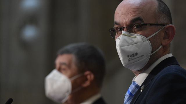 """Pandemický zákon se musel """"napsat"""" za jeden den"""