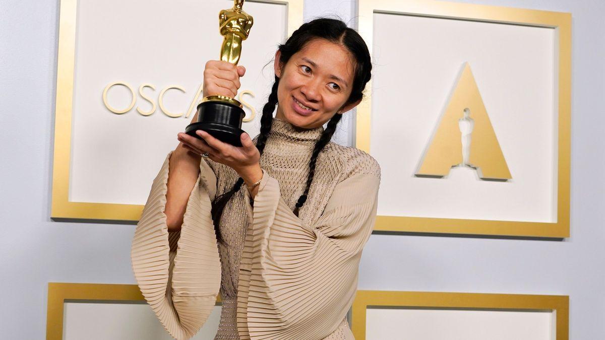 Oscarová Chloé Zhao. VAmerice přepsala dějiny, vČíně ji cenzurují