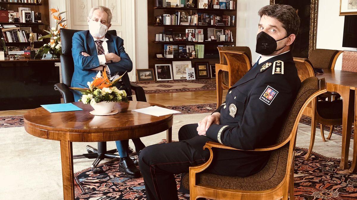 Zeman řešil spolicejním prezidentem Vrbětice, schůzku inicioval Hrad