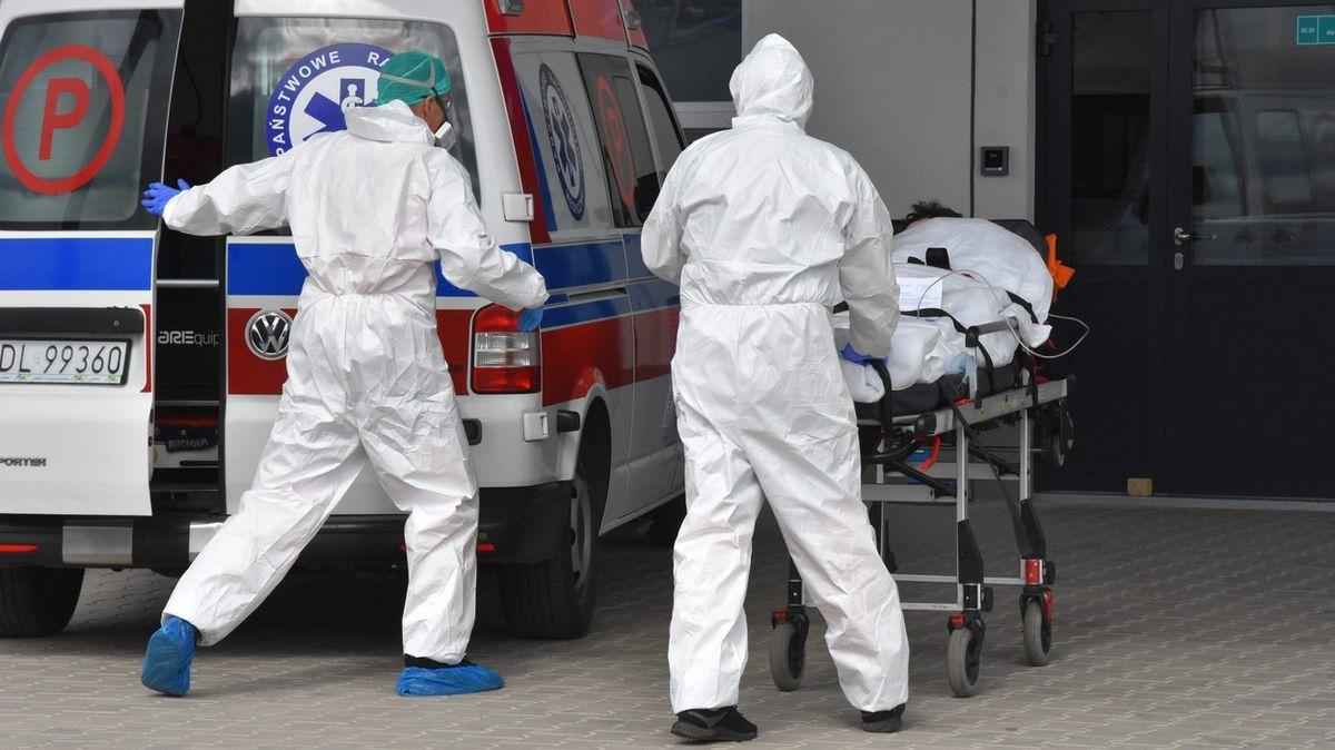 Situace vpolských nemocnicích je tragická, vláda čeká na efekt Velikonoc
