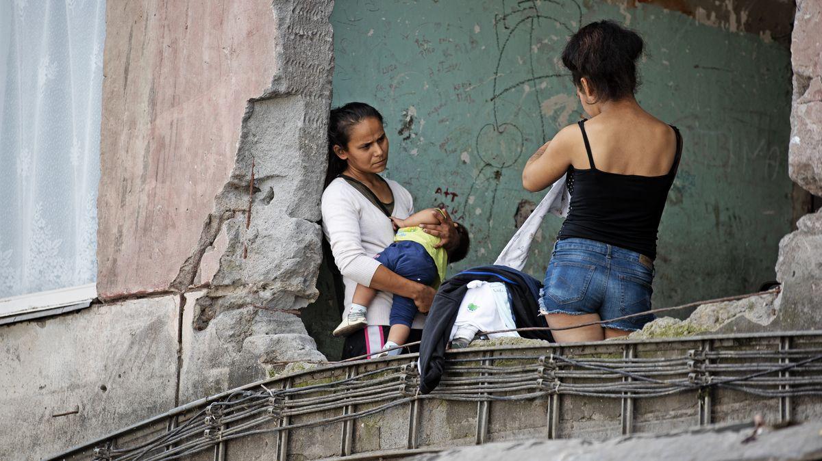 """Bez pitné vody ivchatrčích. Jedno znejvětších evropských ghett vyhlíží """"papežka"""""""