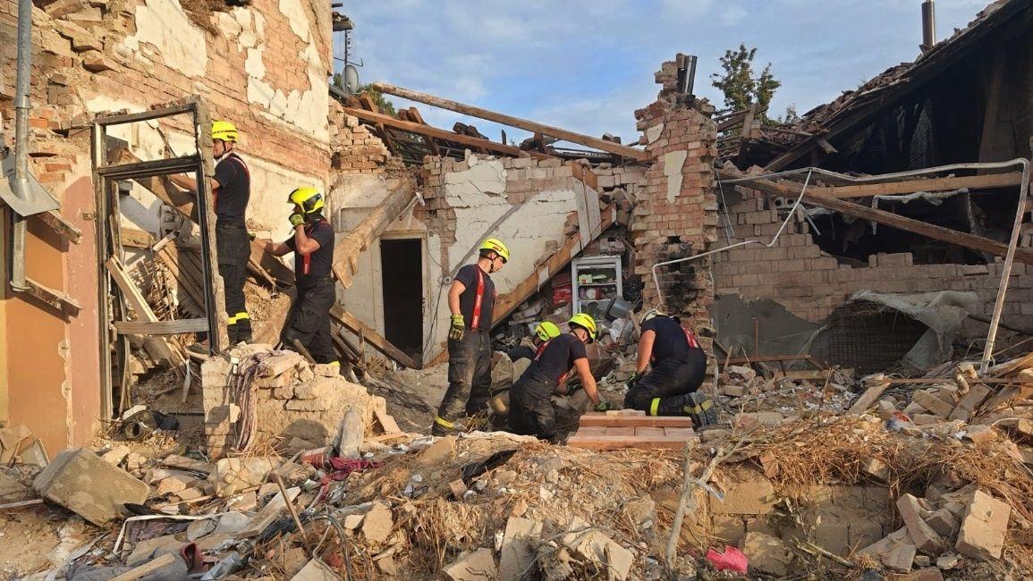 Rodinám hasičů, kteří zemřeli při výbuchu domu, pomůže sbírka ikraj