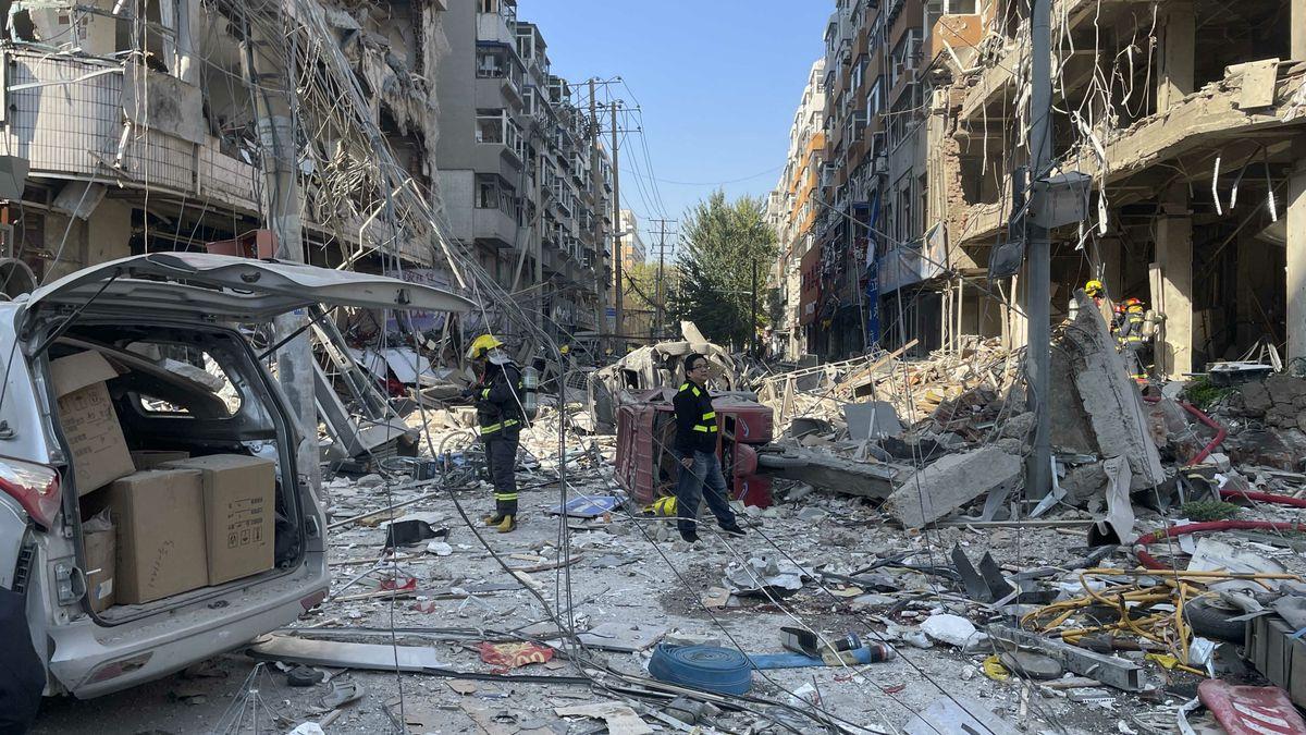 Video: VČíně explodovala restaurace, výbuch zdemoloval okolní domy