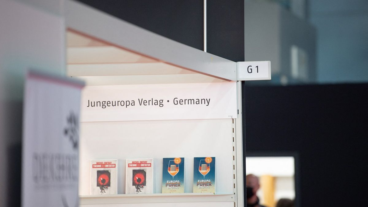 Největší knižní veletrh světa čelí bojkotu kvůli účasti krajní pravice