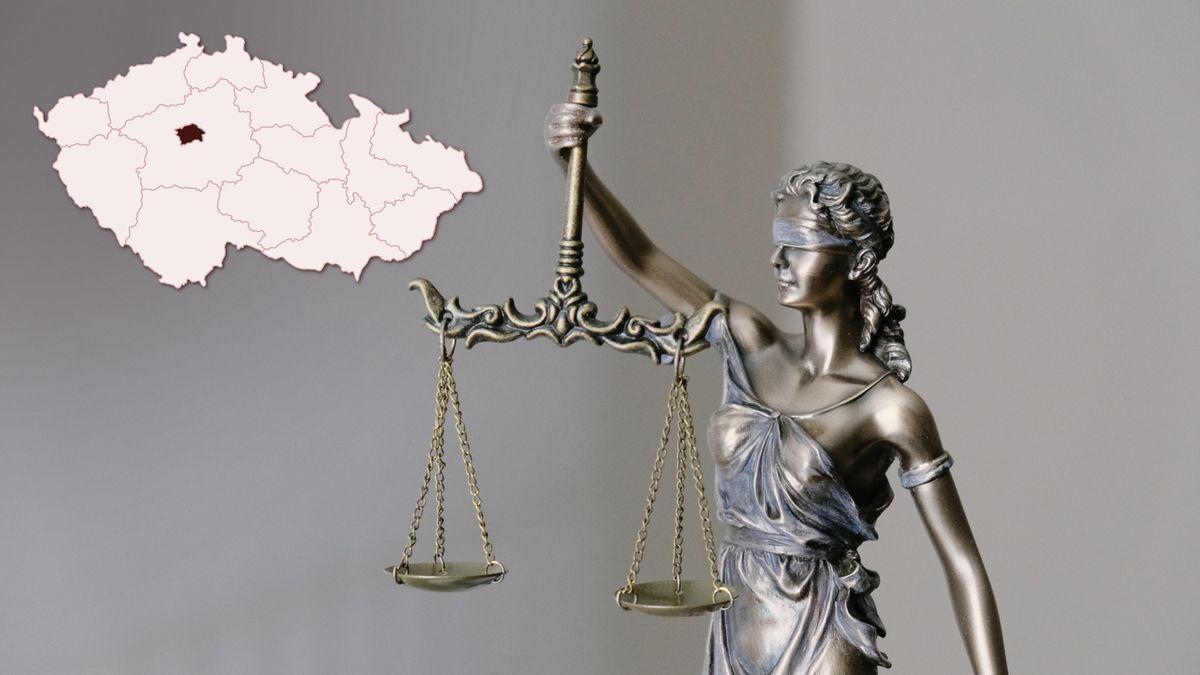 Muž seděl nezákonně 75dní ve vězení, soudci za trest sníží plat