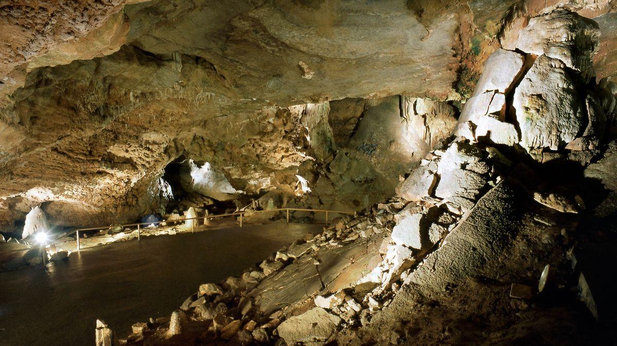 Kde se vlétě zchladit? Zkuste jeskyně. Podívejte se, které jsou přístupné