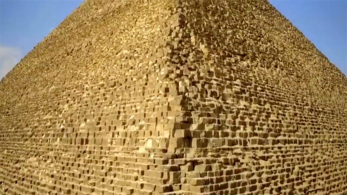 Chybí vám Egypt? Postavte si Velkou pyramidu na zahradě