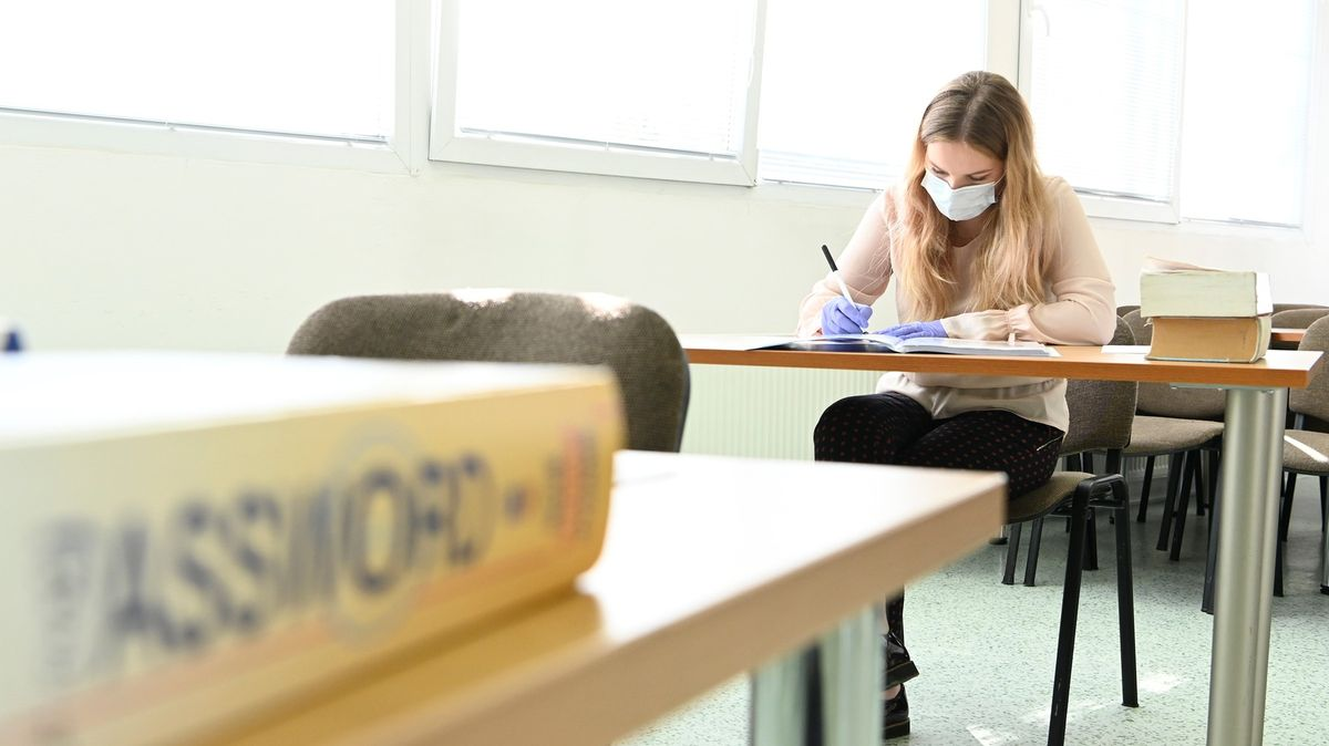 Zvládli byste letošní maturitu? Zkuste si největší chytáky