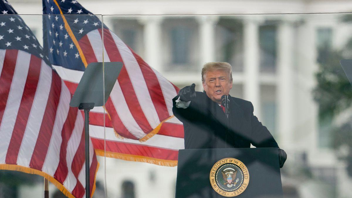 První republikáni hlásí, že potopí Trumpa. Hraje se iorok 2024