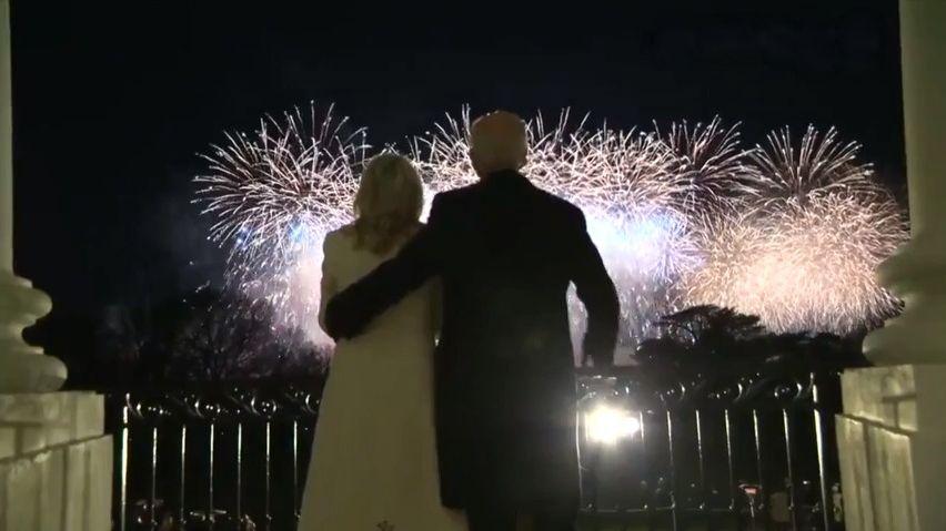 Nejsilnější záběry zWashingtonu: První dáma si zatančila, ohňostroj ohromil