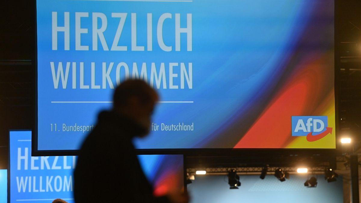 Německá parlamentní strana je pod dozorem tajné služby. Každý třetí volič je extremista