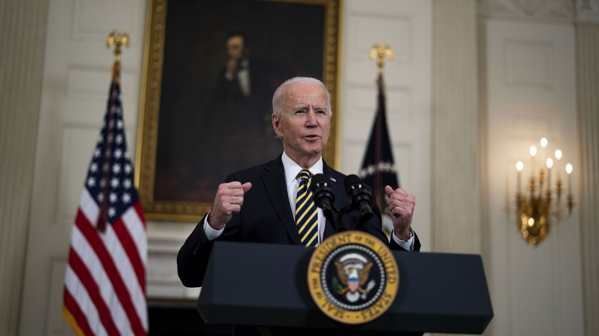 Americká sněmovna schválila masivní balíček na podporu ekonomiky