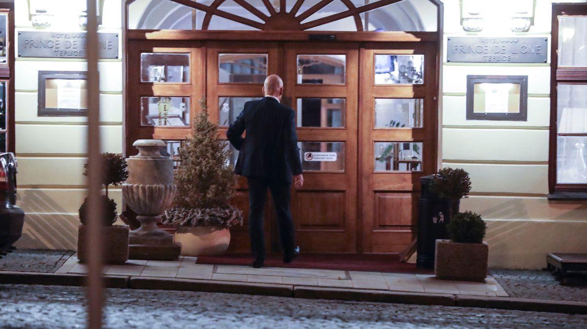 Dohra VIP oslavy vhotelu. Akce se účastnil soudce a teď má čelit následkům