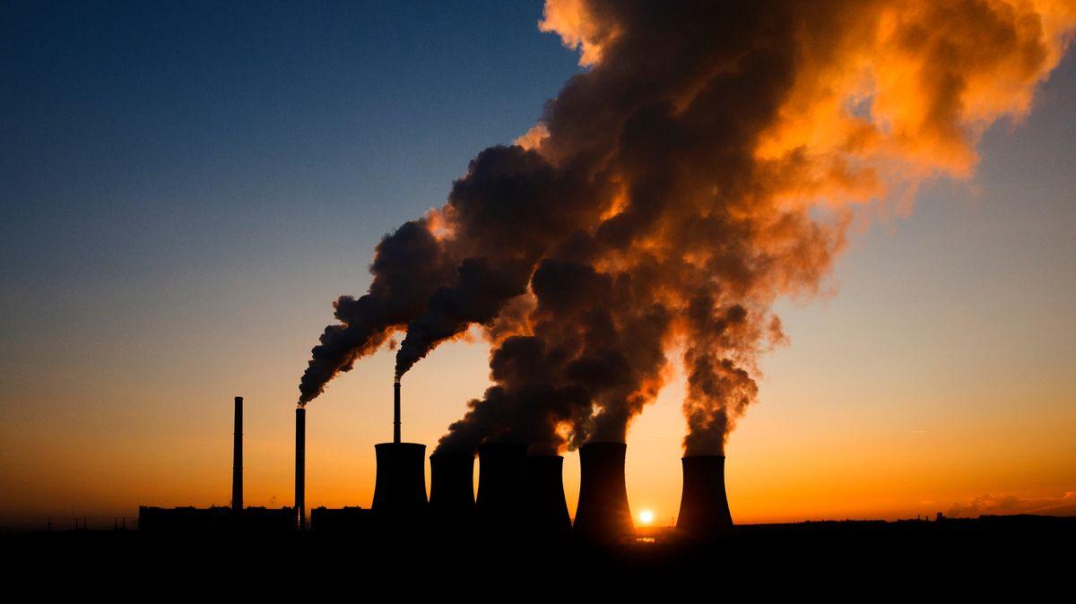 Komentář: Emisní povolenky nezabírají. Držte si peněženky