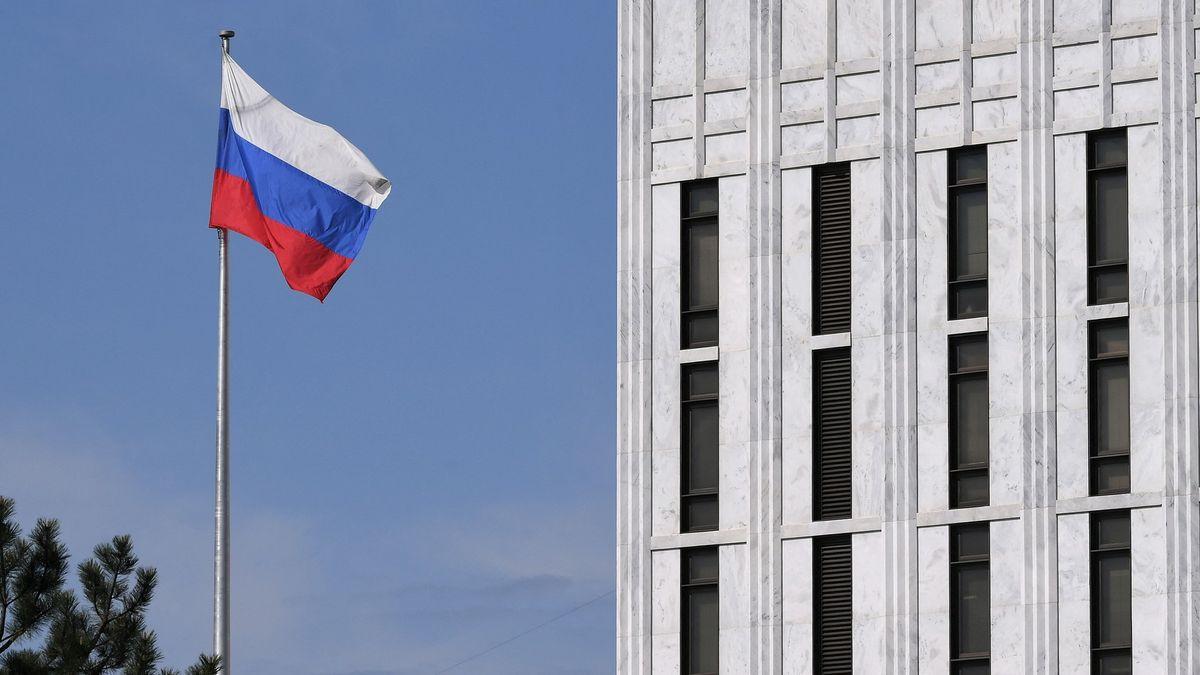 Nesmysl, který si Češi vycucali zprstu, říká vlivný ruský poslanec
