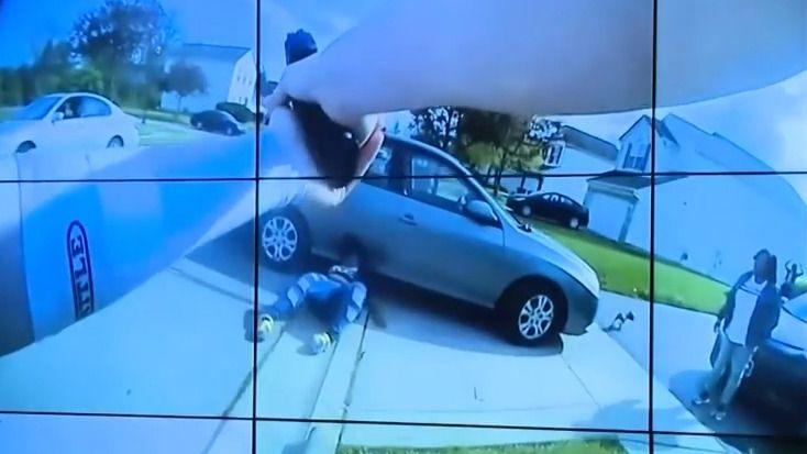 Policie zveřejnila video ze zásahu: Postřelená černošská dívka zemřela