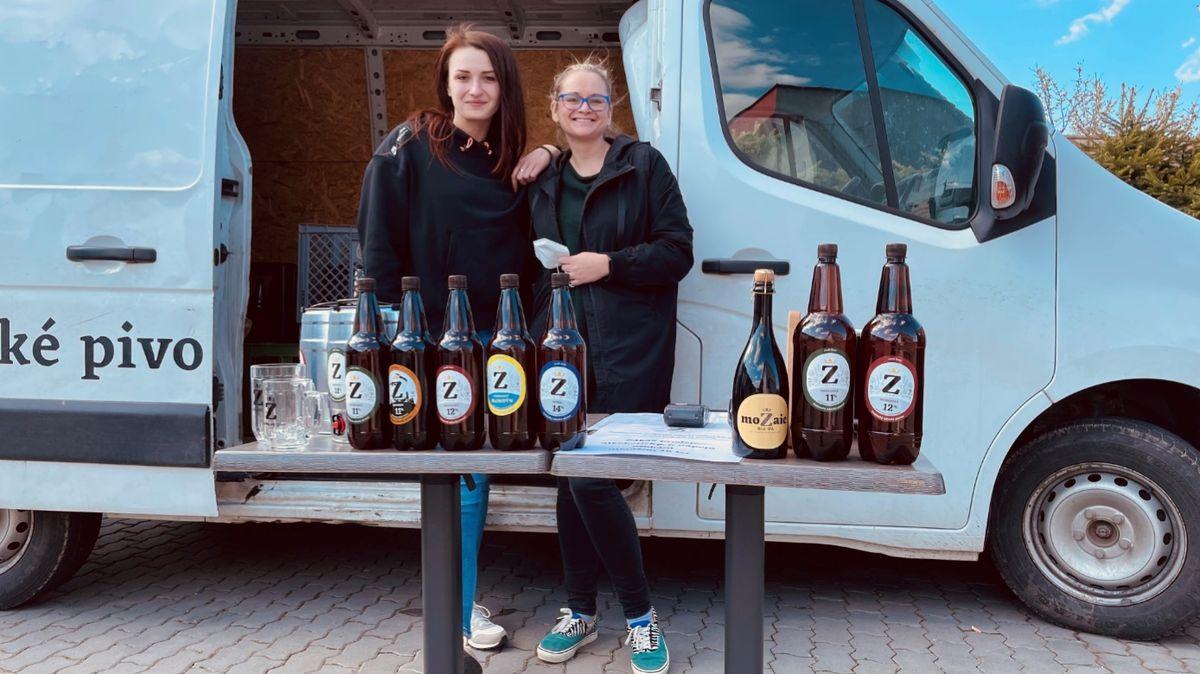Pivovar vrací novinku. Ženy nasedly do dodávky a křísí prodej vobcích