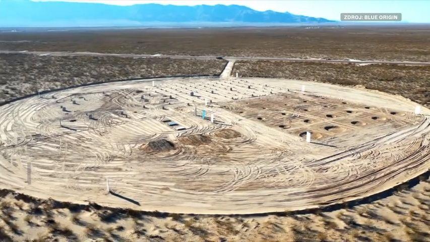 """Bezos ukázal svou """"Oblast 51"""". Blue Origin přistává na vlastním Měsíci"""