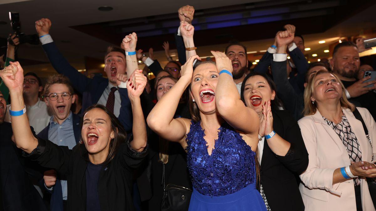 Pokoření, euforie ivztek. Nejsilnější snímky zletošních voleb