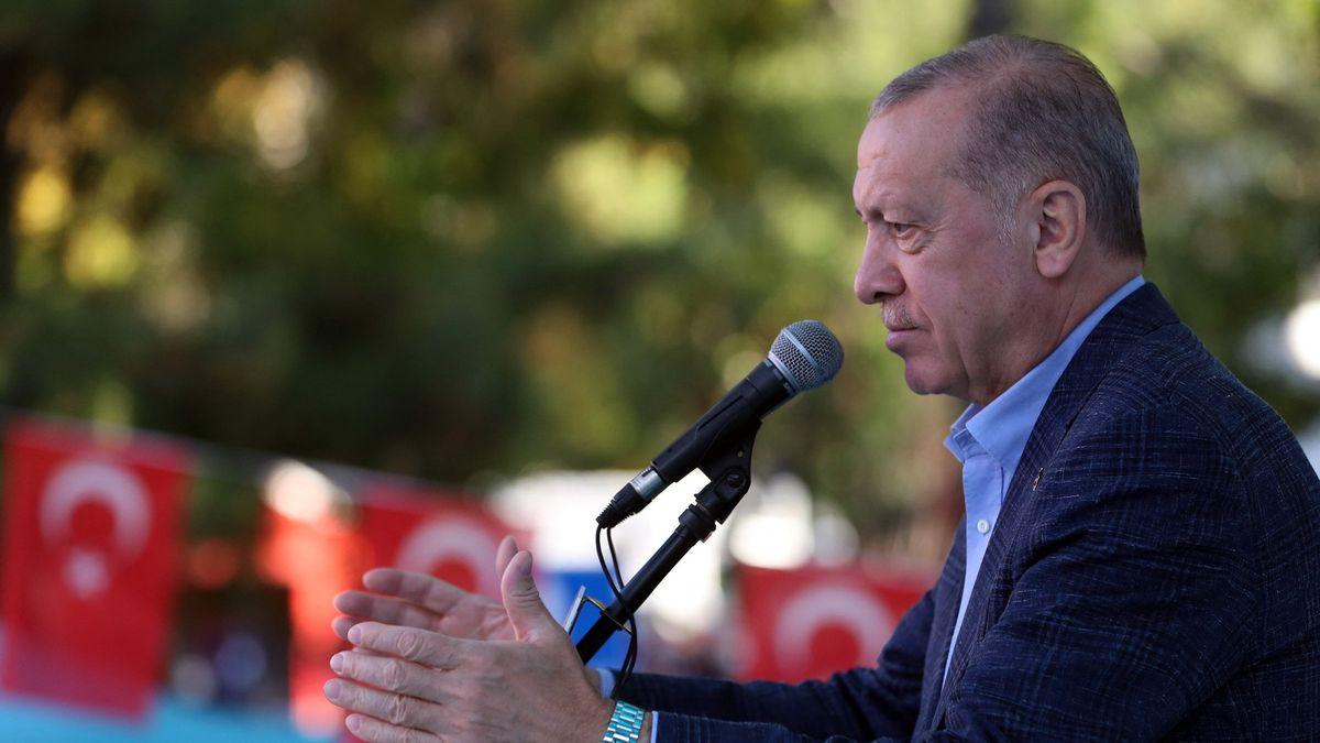 Erdogan vyhostí kvůli výzvě kpropuštění filantropa velvyslance USA iFrancie