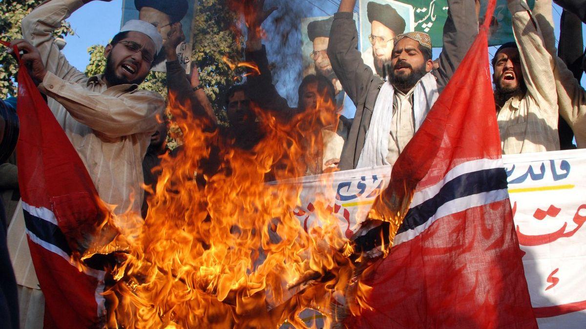 Karikatury Mohameda vadí, čínská genocida muslimů ne. Proč islámské země mlčí?