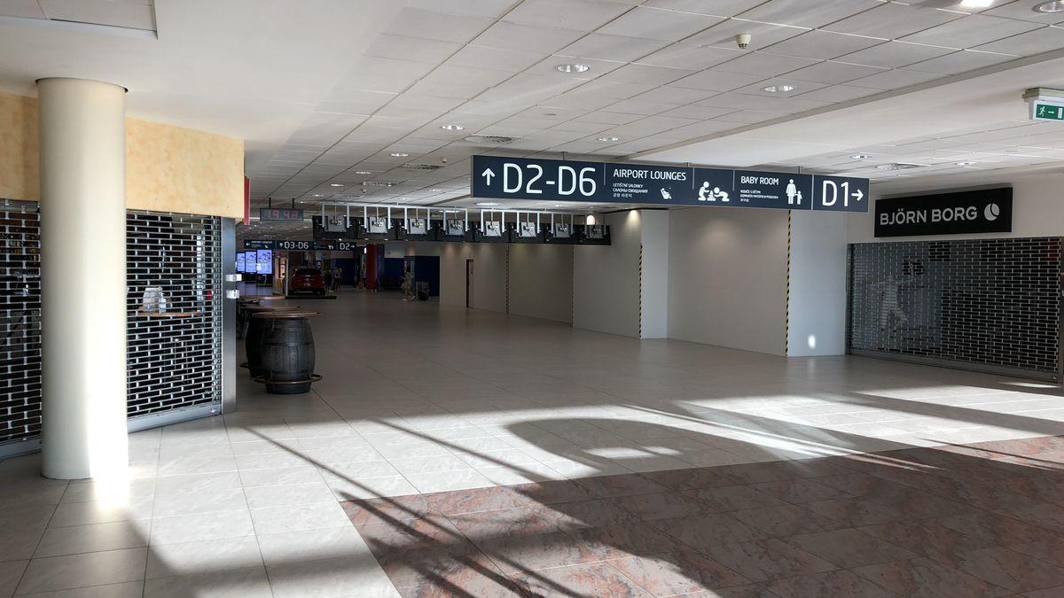 Krize vletectví trvá, letiště odbavilo ve čtvrtletí o90procent méně pasažérů