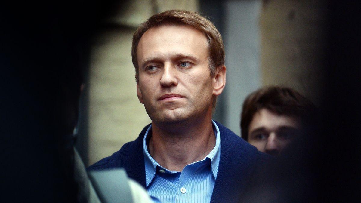 Rusko pokus ootravu Navalného odmítá, rekonstrukci považuje za směšnou