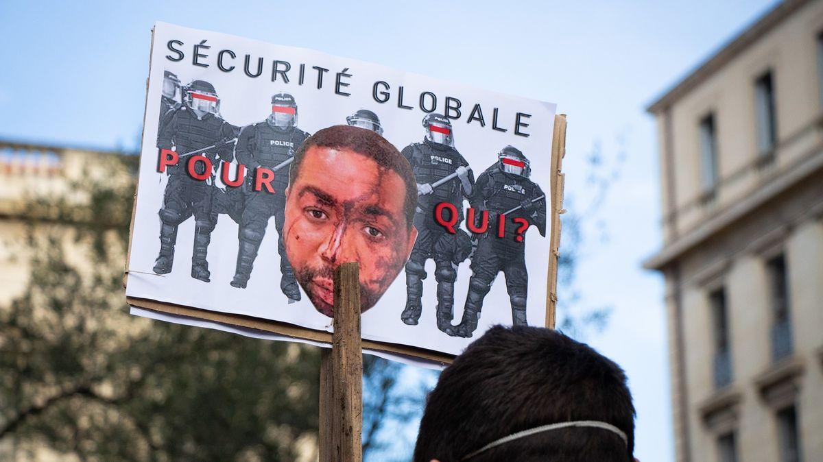 Ve Francii obžalovali čtyři policisty, kteří napadli producenta tmavé pleti