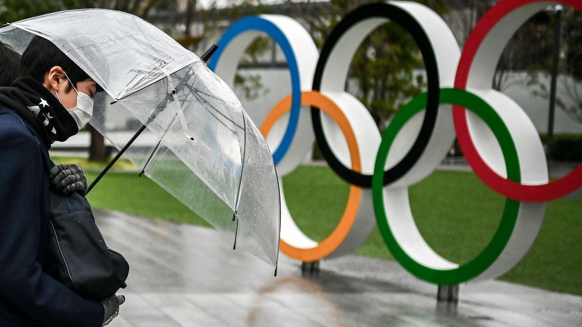 Nejistota ohledně olympijských her. Opatření vmlze ipomalé očkování
