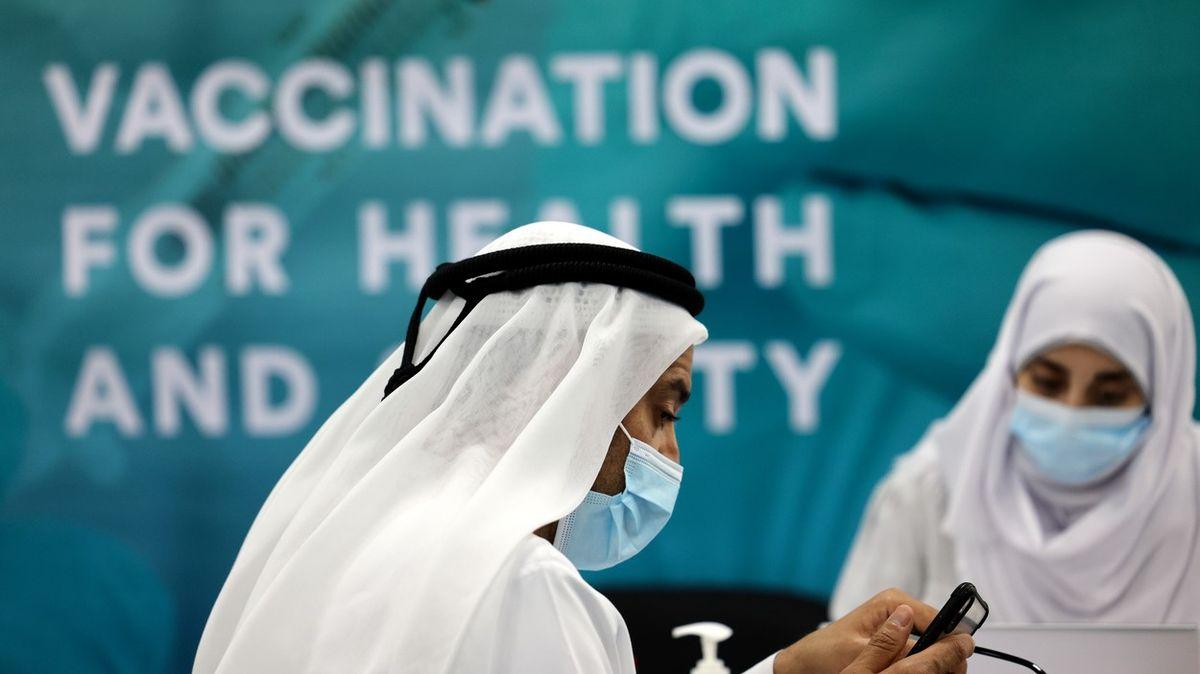 Rozjíždí se očkovací turistika. Pro členy VIP spolku vakcína vceně