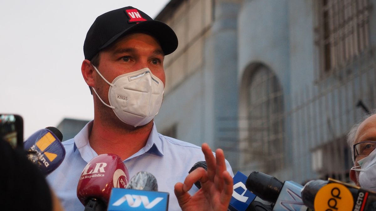 Novým prezidentem Peru se chce stát bývalý brankář Borussie Dortmund