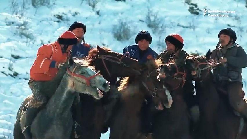 Video: Jak nebezpečný sport Kok-boru pomohl dát Kyrgyzy a Rusy dohromady