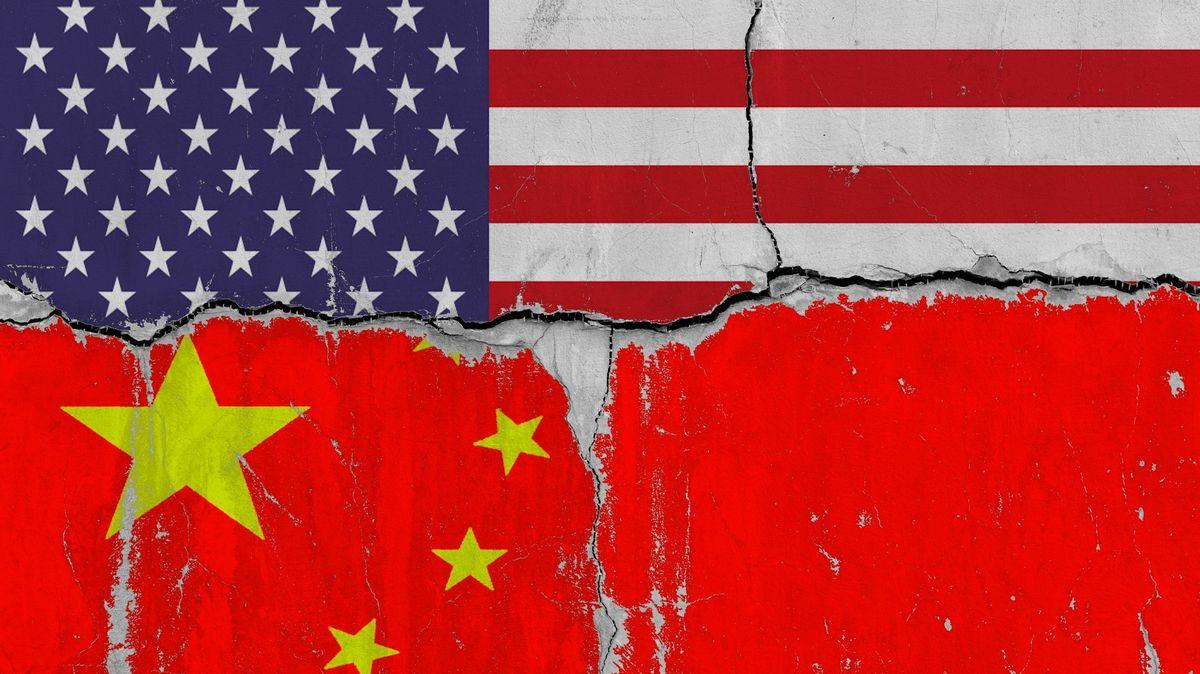 Na Čínu prší další sankce. Peking reaguje vlasteneckými výrobky