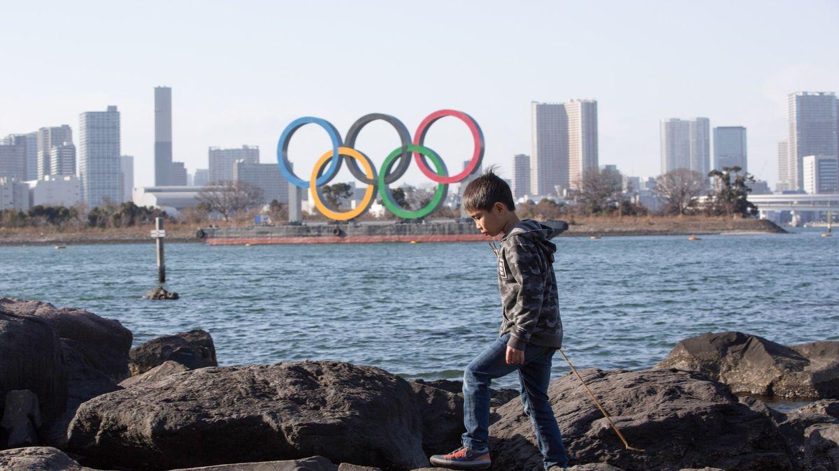 Sto dní do startu olympiády. Japonsko očkování nestíhá, lidé jsou proti