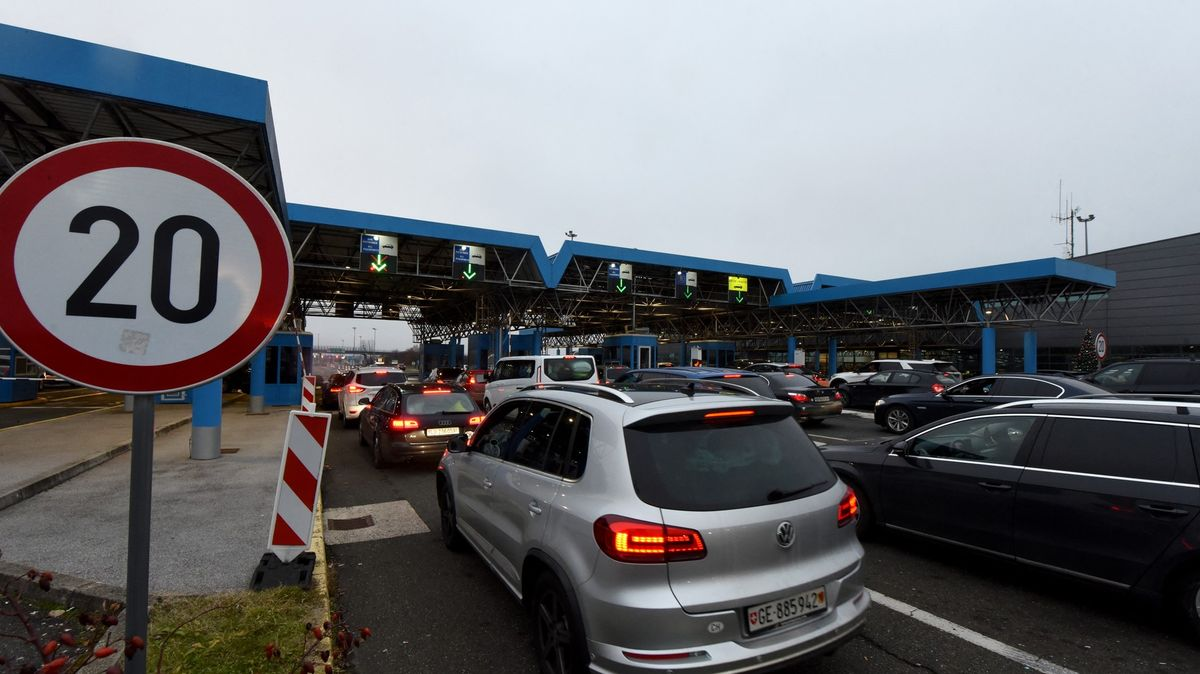 Přejezd přes Slovinsko bude pro Čechy bez omezení do 29.srpna