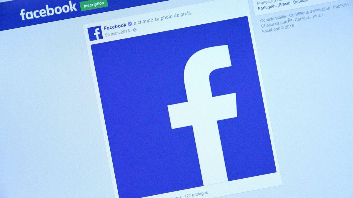 Jak se zhroutil Facebook. Aproč tak trvalo, než zase ožil