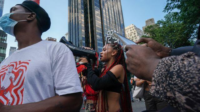 Další nápis Black Lives Matter. Tentokrát vNew Yorku naproti Trump Tower