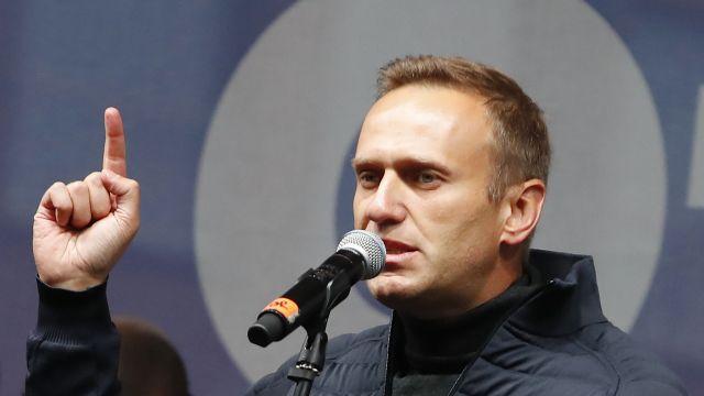 Putinův kritik Navalnyj je vkómatu. Podle mluvčí byl otráven