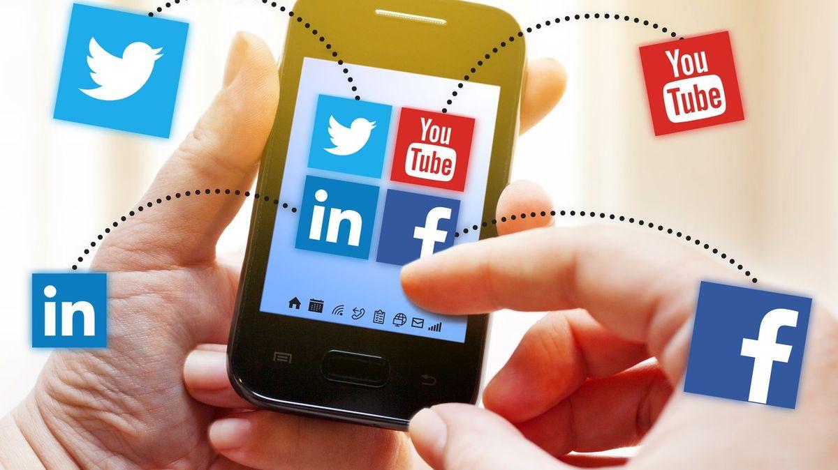 """""""Vyděrač Facebook."""" Místo placení médiím za obsah chce ochudit uživatele"""