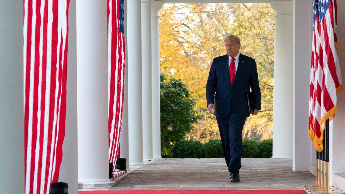 Stáhneme vojáky domů, zaklekneme na Čínu. Trump plánuje zbytek mandátu