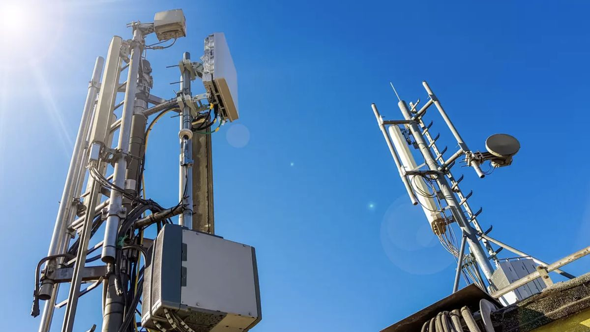 Západočeská univerzita testuje vysokorychlostní 5G síť, má vysílač vkampusu