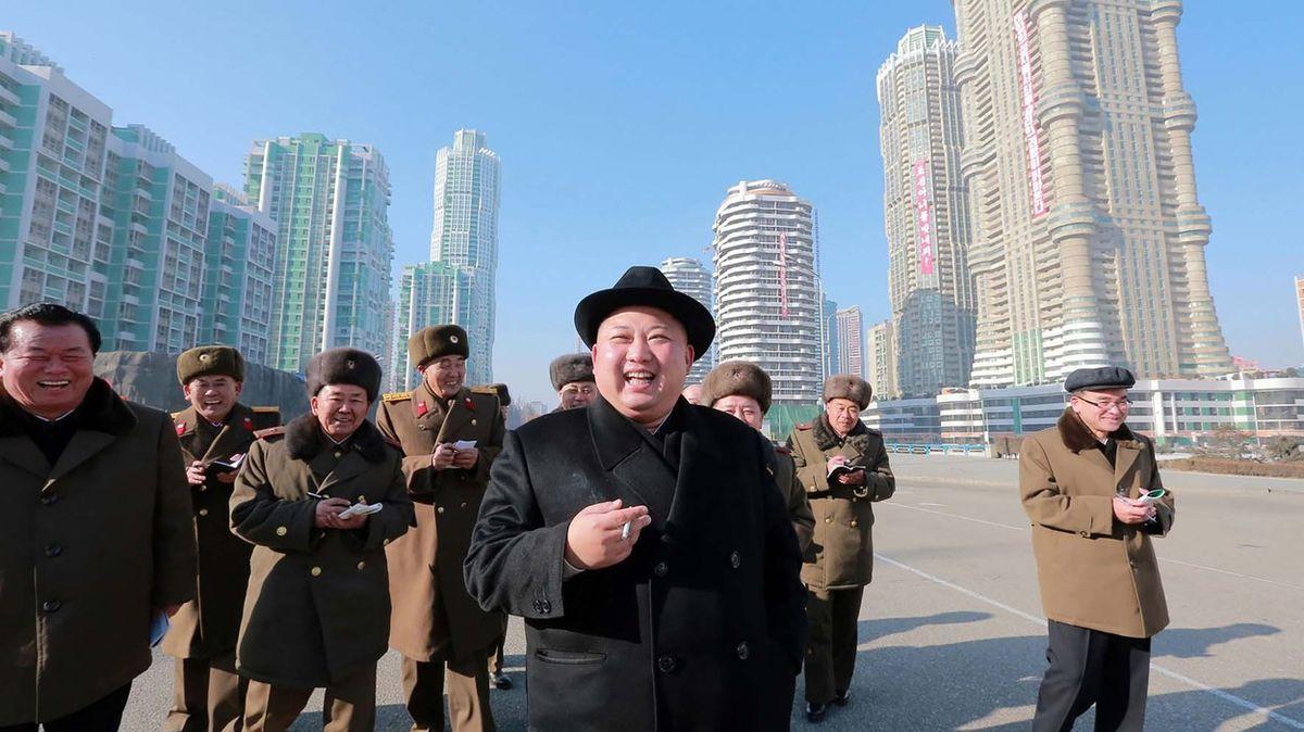 KLDR bojuje proti cigaretám. Včele kampaně stojí kuřák Kim Čong-un