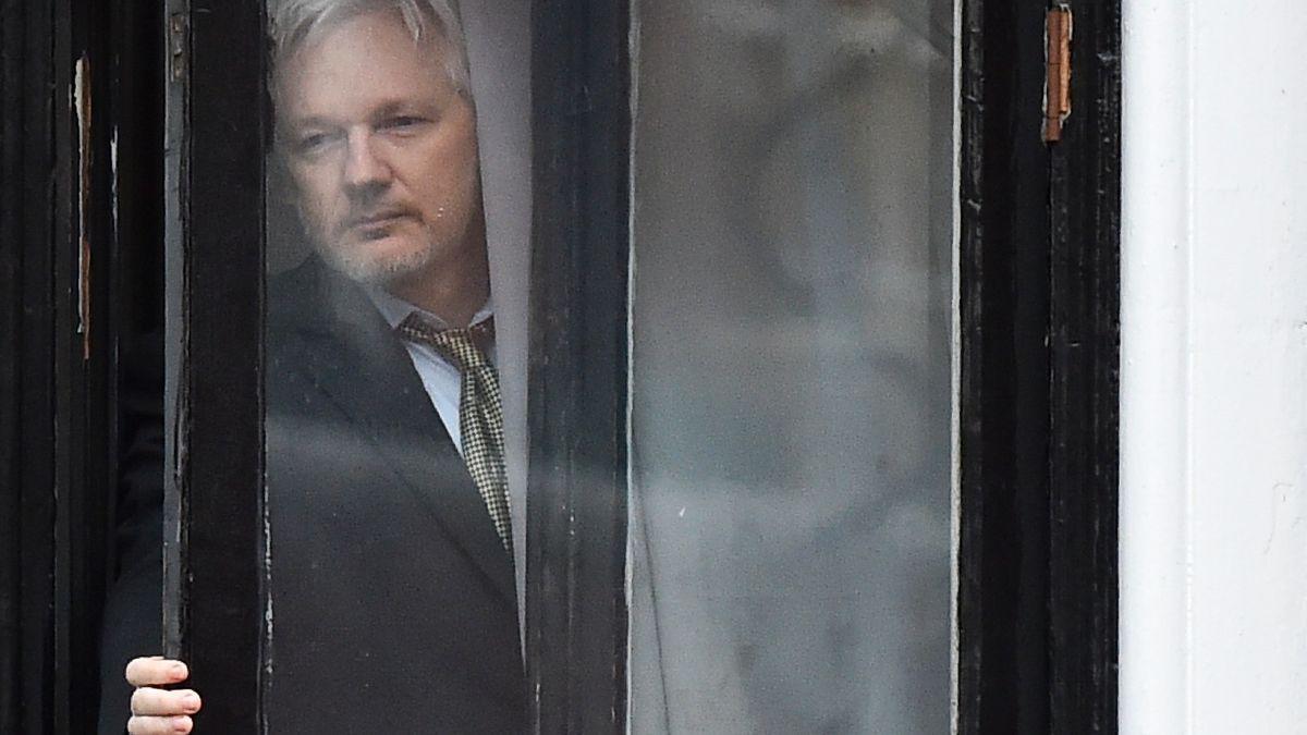 Británie nevydala Assange do USA. Tvůrci WikiLeaks tam hrozilo doživotí