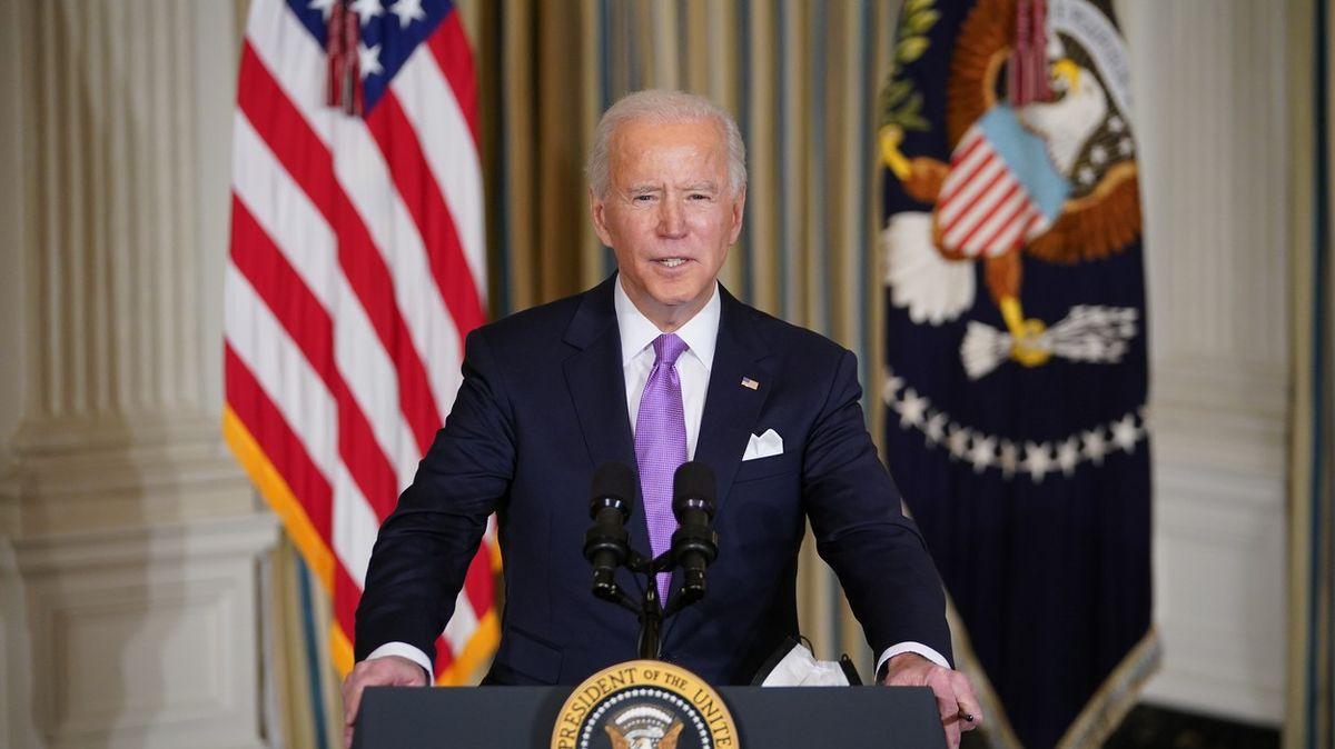 Bidenovy premiéry. Mluvil sPutinem išéfem NATO