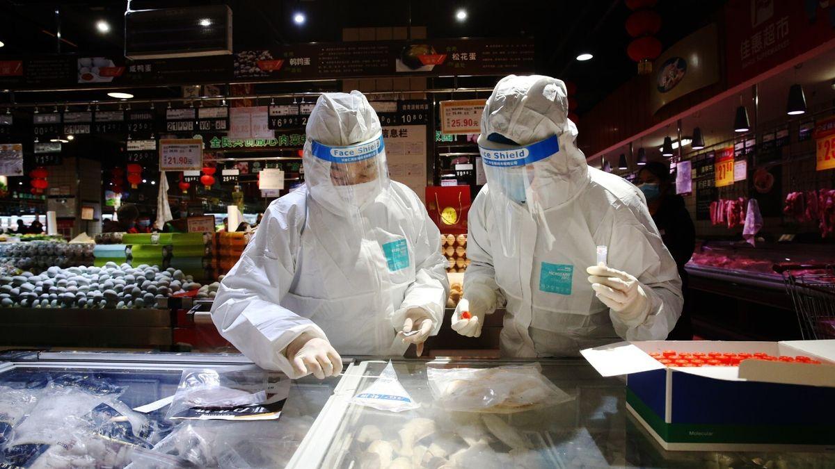 Vědci odmítají čínskou teorii ošíření nákazy vmraženém jídle