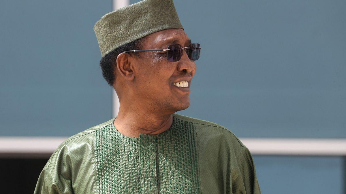 Smrt znovuzvoleného prezidenta. VČadu zemřel Idriss Déby