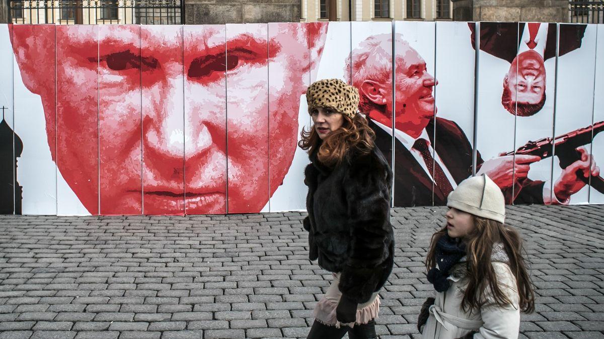 Rusko se urvalo ze řetězu. Česko mu ale samo nahrává, říká expert