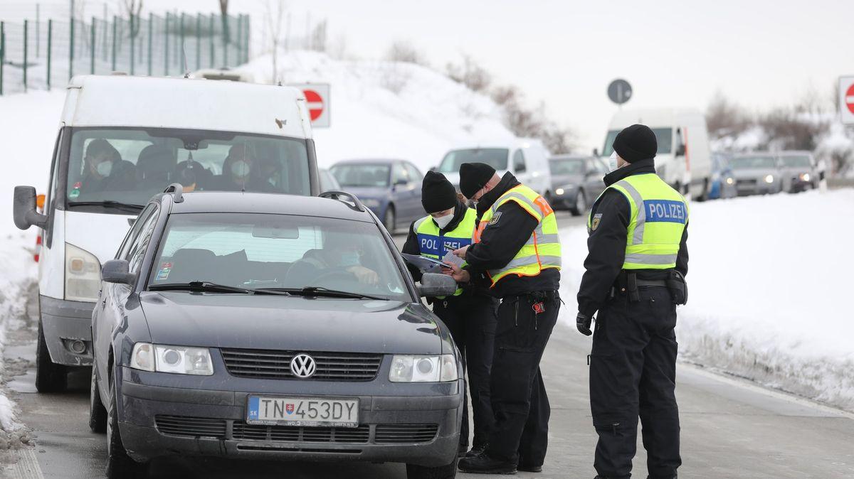 Německo ukončí stálé kontroly na hranicích sČeskem