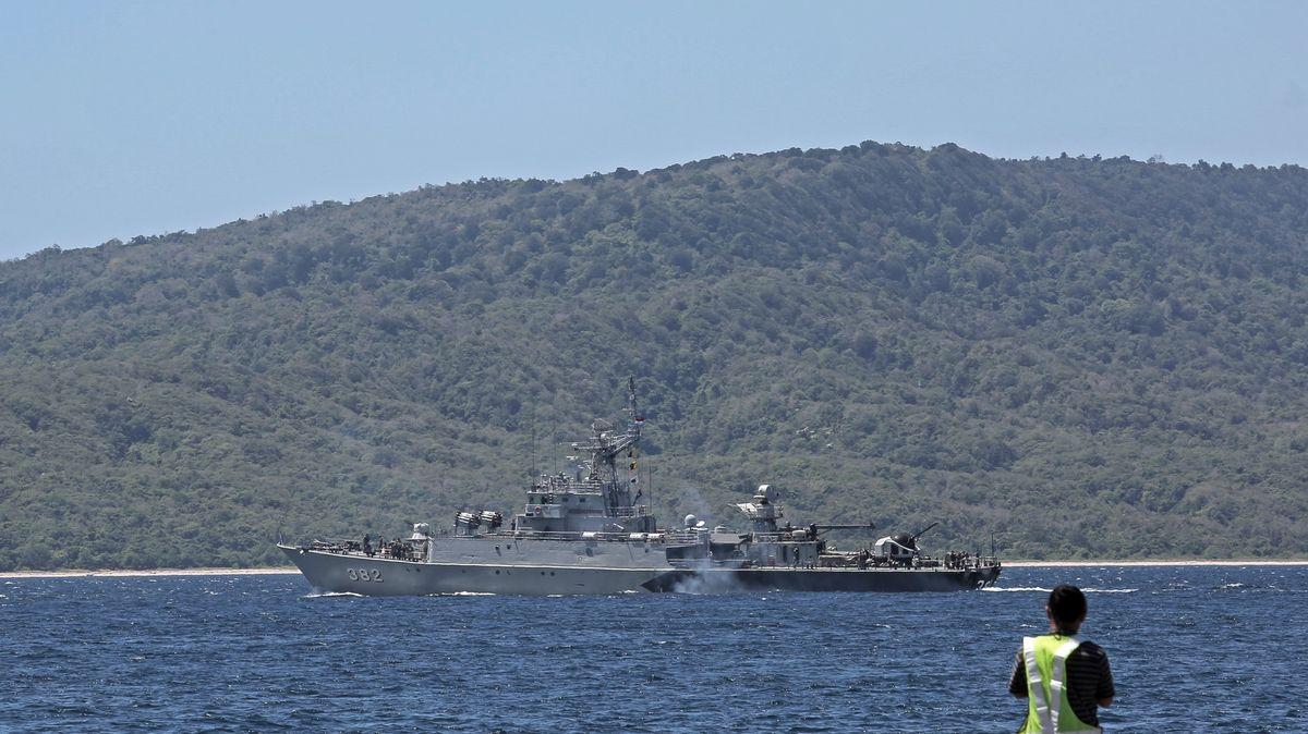 Hledání ztracené ponorky pokračuje. Posádce zbývá 72hodin, pak dojde kyslík